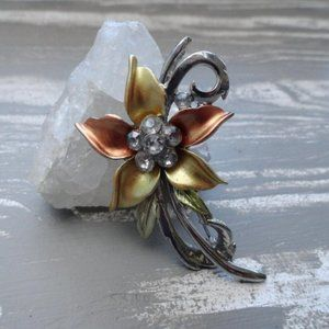 3/$20 vintage floral brooch pin gold silver